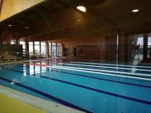 Die Schwimmhalle in Alvor