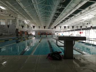 Die Schwimmhalle in Silves